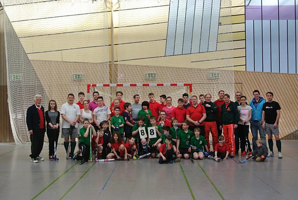 88 Jahre Hockey in Idar-Oberstein - TeilnemerInnen des Hockey Cup 2014